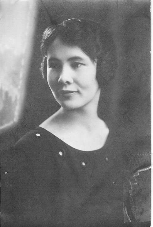 Eleanor Crownover_Norris_UHS_Class_of_1921_500