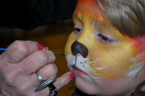 Getting_some_face_paint