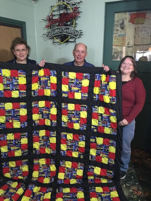 Tom Block_receives_quilt_500
